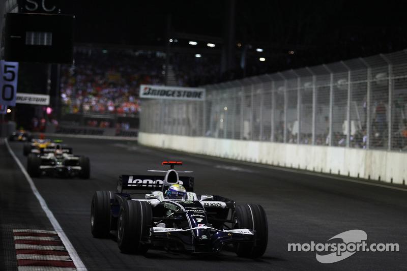 Rosberg deveria ter sido o vencedor dessa corrida, Pois Alonso foi ajudado pela trapaça de Cingapura.