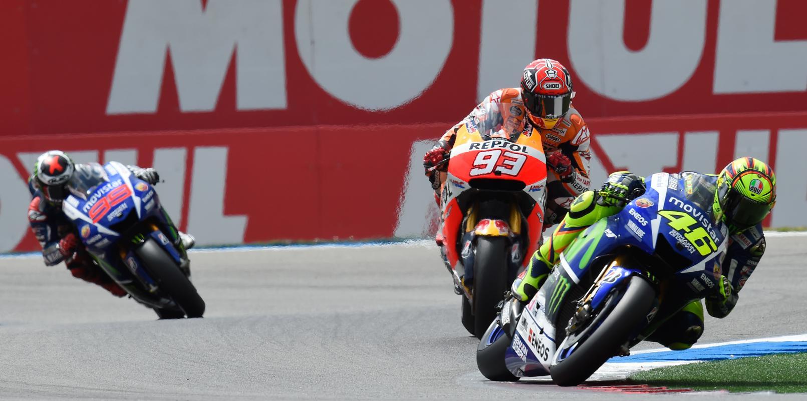 Rossi e Marquez fizeram o duelo da corrida