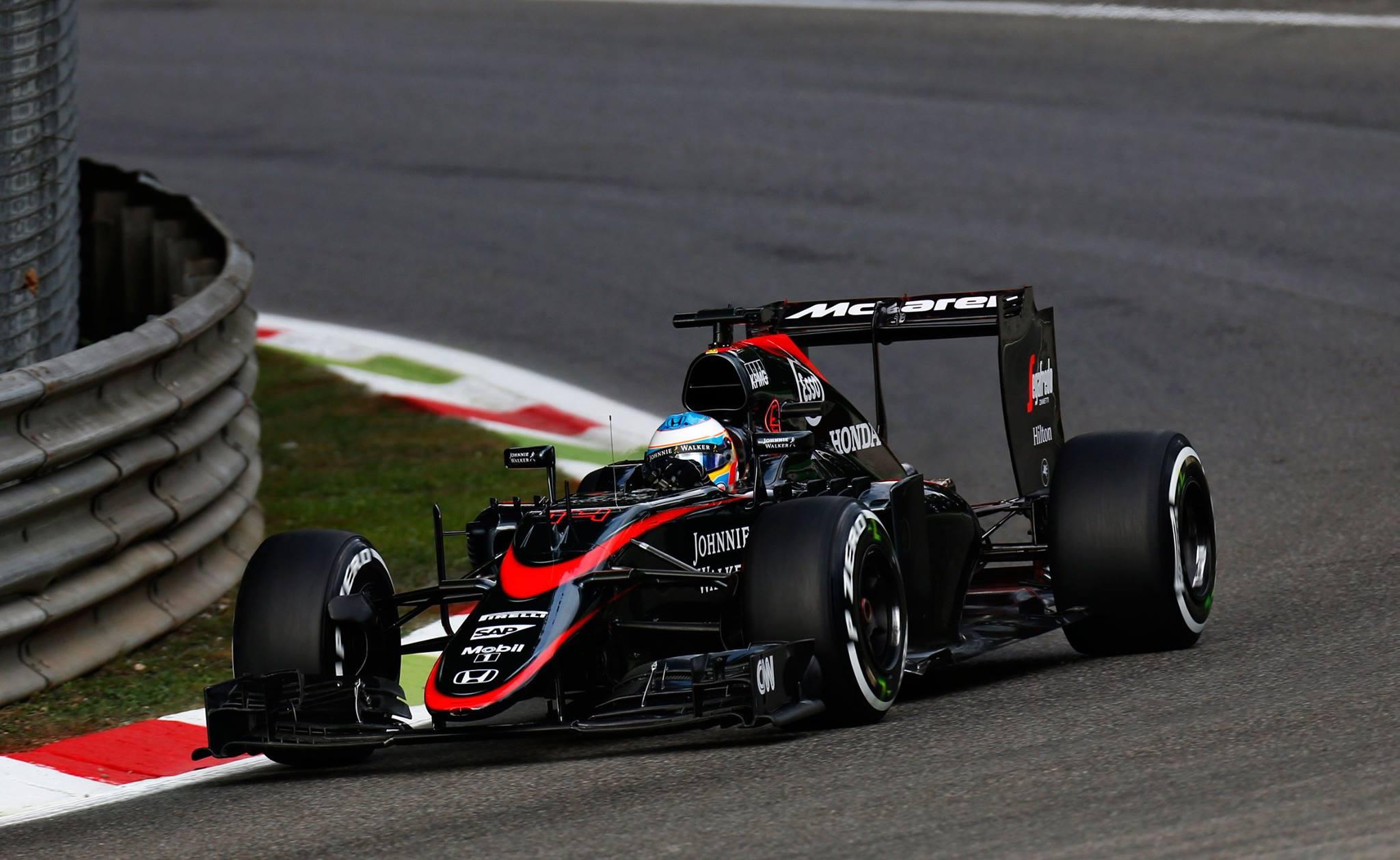 Alonso que venceu em 2007 pela mesma Mclaren vai sofrer em Monza nesse ano.