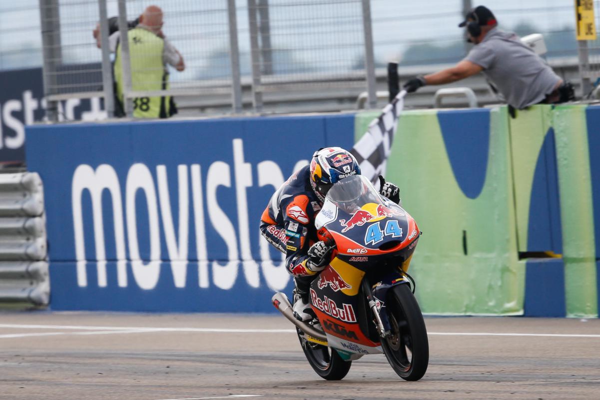 Oliveira manteve acesa a possibilidade de título na Moto 3.