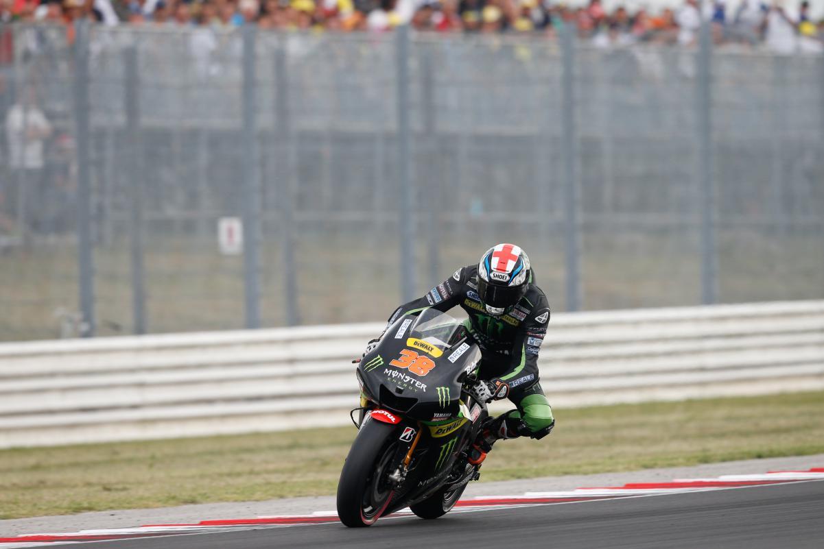 Bradley Smith que foi do inicio até o final com a mesma moto e só foi superado pela Formiga Atômica.
