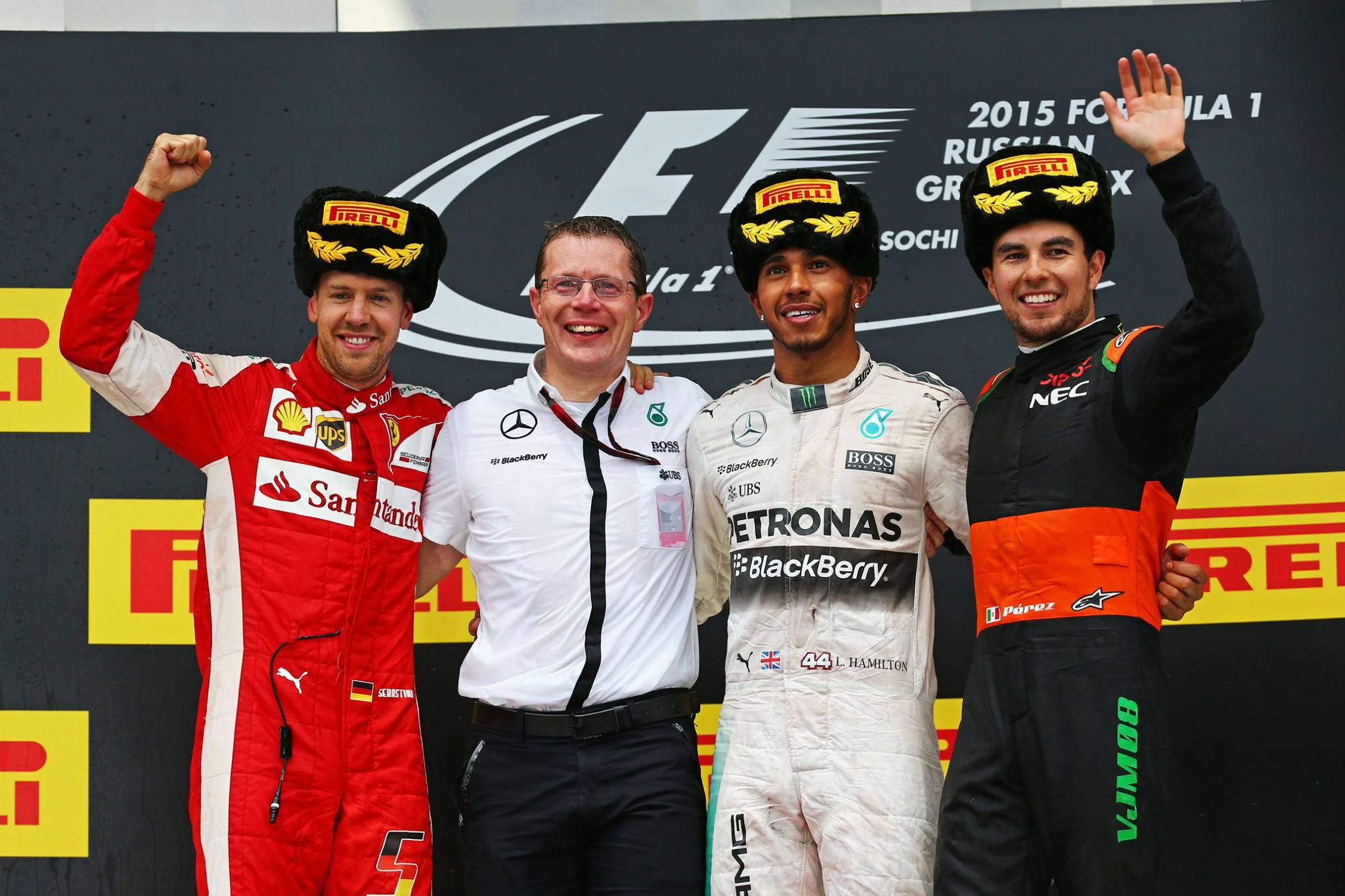Pódio Russo na Formula 1 Vettev, Hamiltokencho e Perezkov