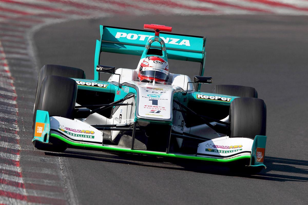 Nakajima tirou apenas um ponto de distância para Ishiura na Classificação do Campeonato.