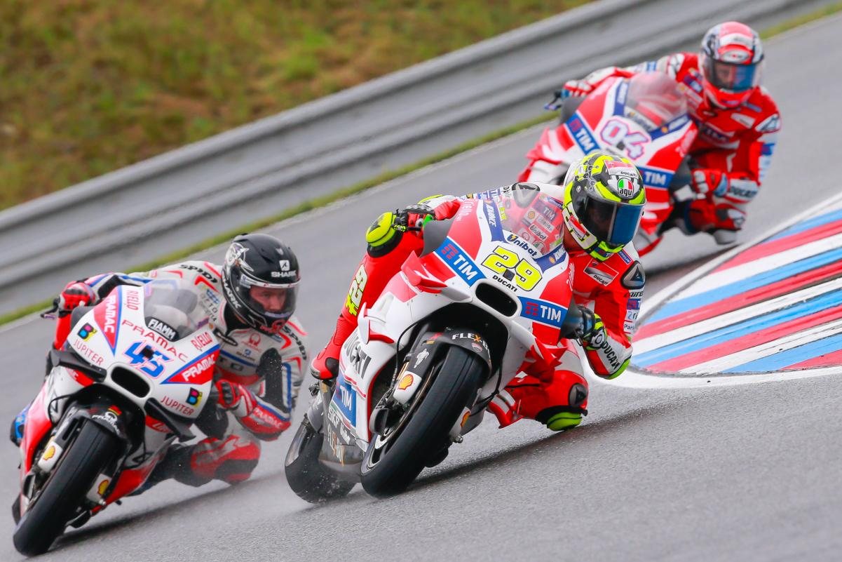 Ducati na lideranca em Brno